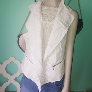 Chicos white vest size 3